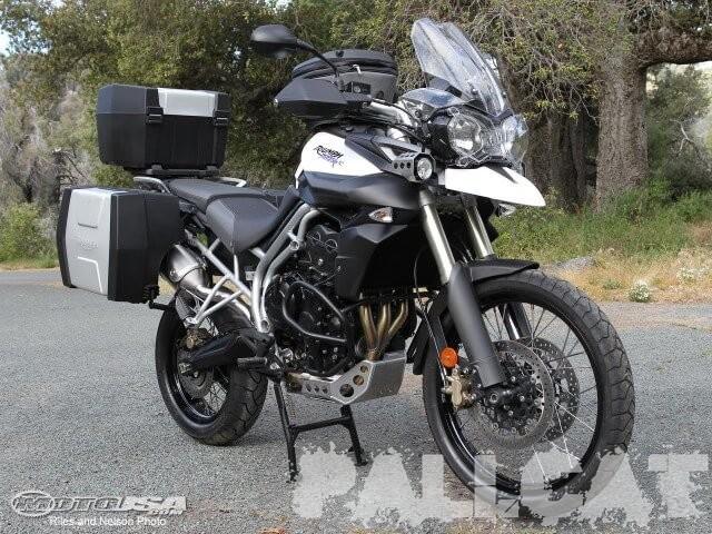 2011-Triumph-Tiger-800-1